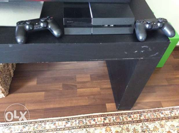PS4 with extra controller