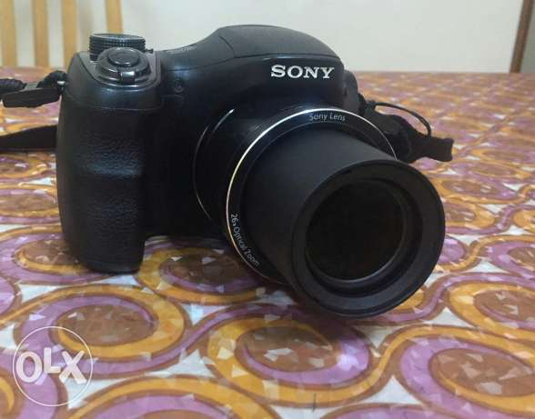 Sony CyberShot DSC-H200 Digital Camera