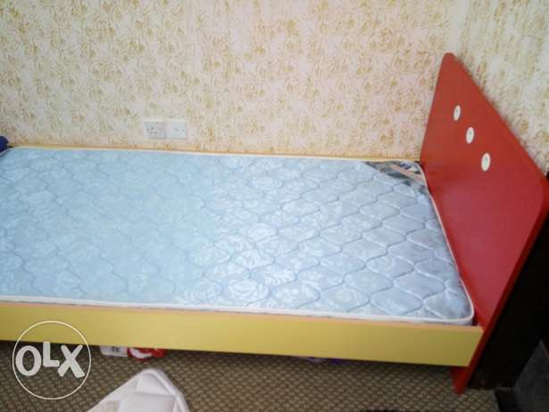Kids single bed with two side tables مسقط -  3