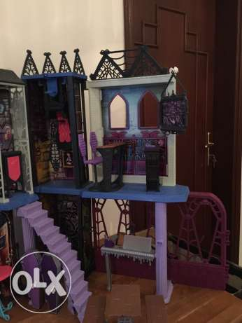 Monster High Deadlux High School Play Set مسقط -  4