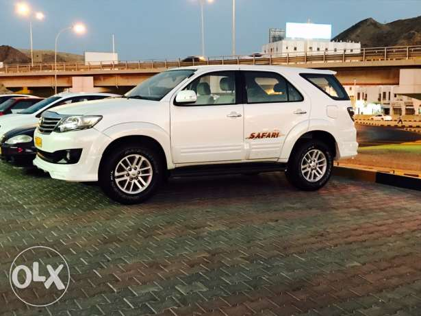 2013 Toyota Fortuner 2.7 cc 4 cylinder Full automatic oman agency saud
