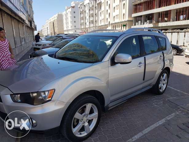 Mitsubishi Outlander 2010 for sale at Wadi kabir