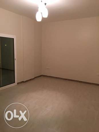 a new flat for rent in al mawaleh 11 in a new building السيب -  5