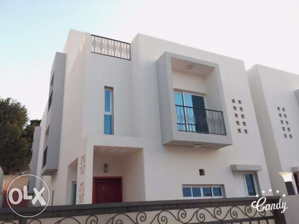 Madinat Ahlam ! Beautiful Compound 5BHK + 1 Maid villa For Rent Ready