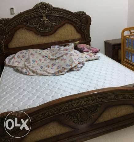 king size bed with mattress السيب -  1