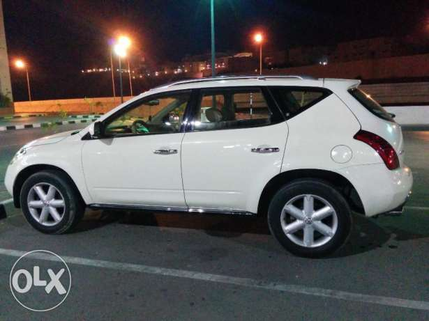 Murano very low mileage, only 55,000km, full option only 3750 negotiab