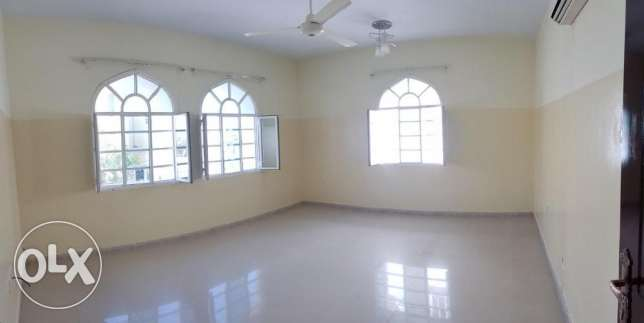 Azaiba behind Zubair Autos. Good Size 3 Bedroom Hall مسقط -  2
