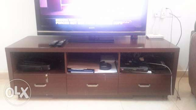 Sony TV + wooden stand