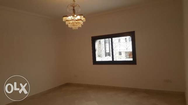 Big High Quality Villa for RENT in Madinant Sultan Qaboos مسقط -  7