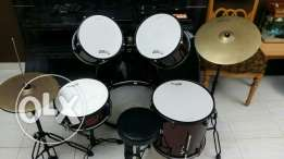 Used But in very good condition Drums