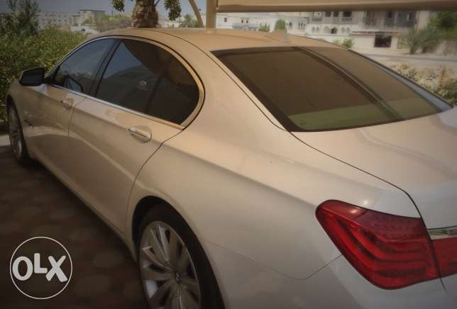 BMW 740i - good deal - عرض مميز