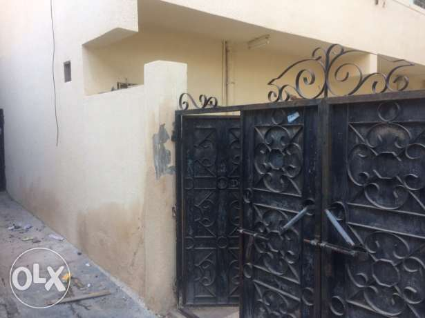 Single room for rent in Muttrah near Taxi stand مسقط -  1