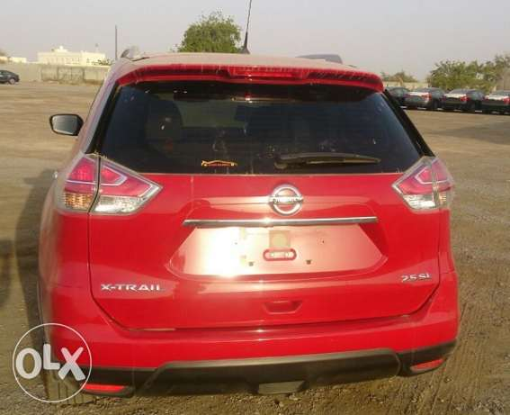 2015 Nissan X-Trial 2.5 SL Red بركاء -  1