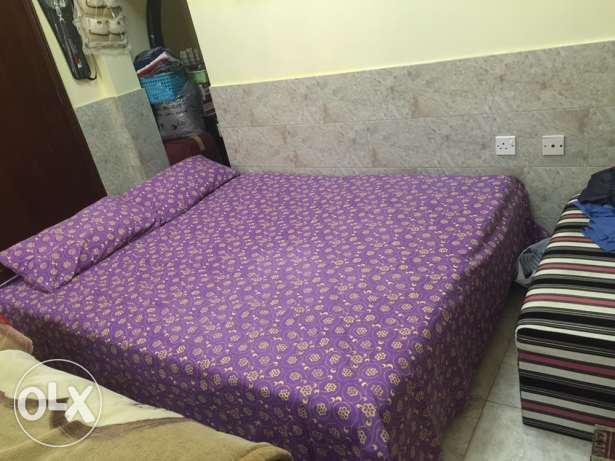 duble bed with matters original wood only 45rials urgent sale السيب -  2