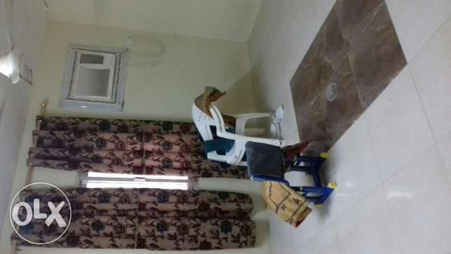 2 broom common bathroom & kitchen. Single bed room attached b r