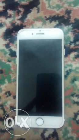 iPhone 6 color golden 16 gb only one small crack on screen