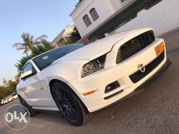 mustang 2014 .. 5.0 جير عادي شفتر باغراض خفيفه