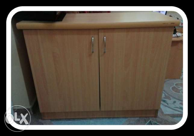 two doors cabinet for only 15or الرستاق -  1