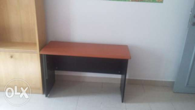 Table and shelf روي -  2