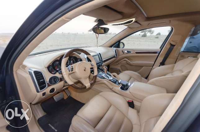 Porsche Cayenne Turbo, 2011 Model, Very good Condition. مسقط -  6