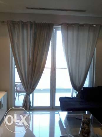 gud quality curtains 1 pair with heavy duty rods imed sale مسقط -  2