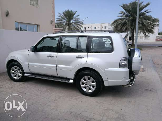 Pajero 2014.Fully loaded & Agency Serviced. Perfectly Maintained.