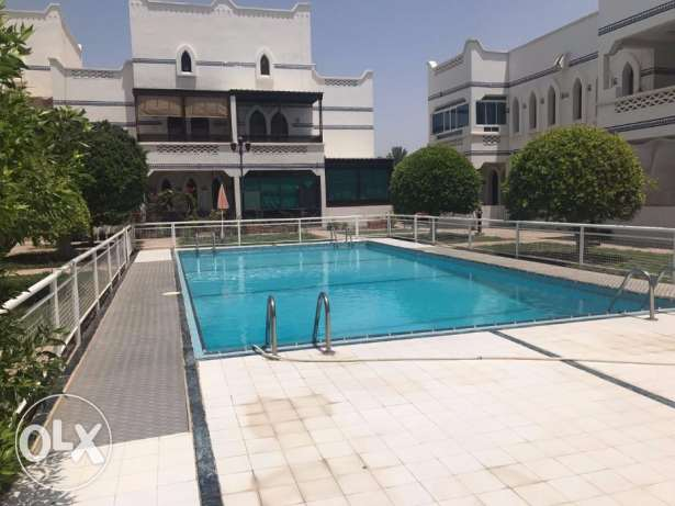 Luxury 2 bhk flat for rent in Shatti Quram Nr.Grand Hyatt+Pool