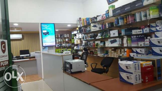Established Computer Shop for Sale in Ghubra (8 Years Old) الغبرة الشمالية -  1