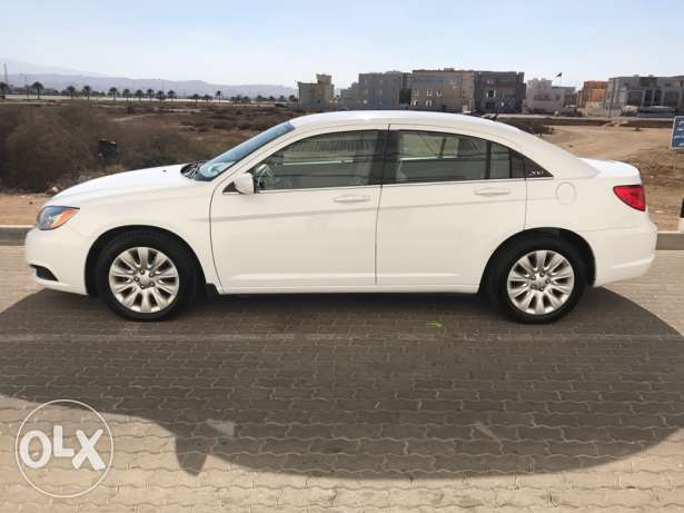 Chrysler 2013 C200 under warranty low mileage مسقط -  5