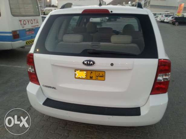 (7 seater)2012 kia carnival full automatic مسقط -  1