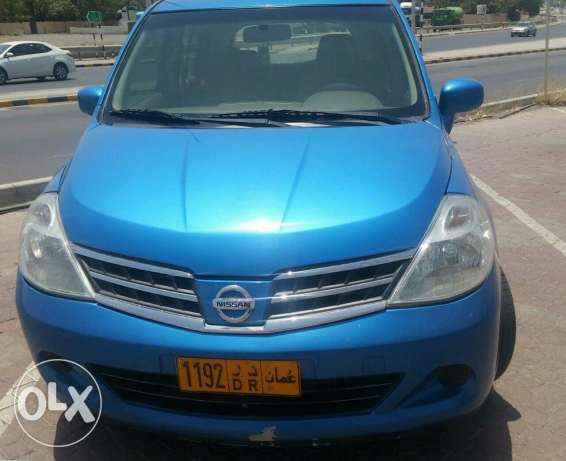Fantastic condition Nissan Tidda 1.6 cc for sale .mulkya till Oct 2017