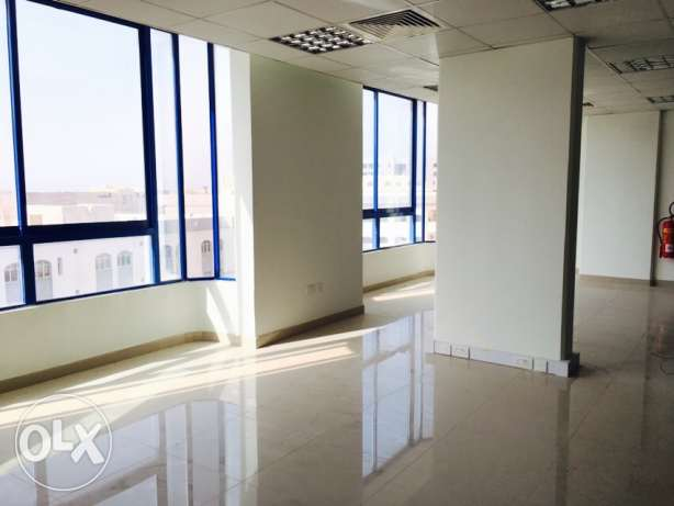 office spaces at prime location in quram opp carrefoure 585riyal القرم -  2