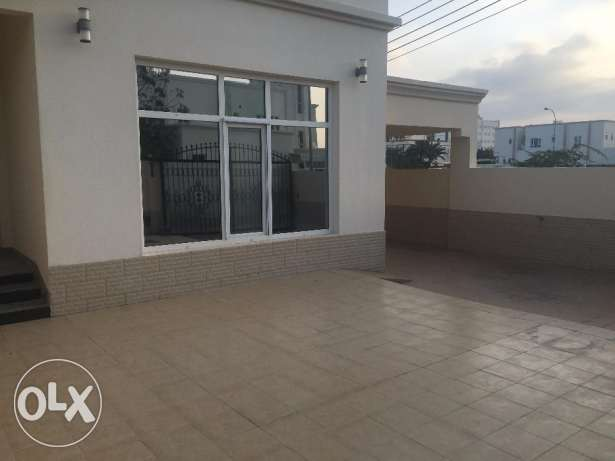 villa for rent in al hail.