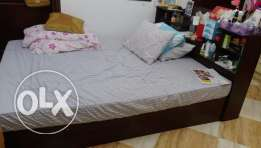 Queen bed size with mattress