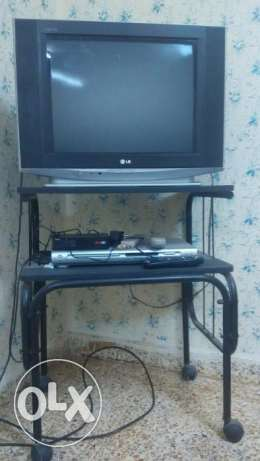LG TV, Onida DVD player & TV table مسقط -  1