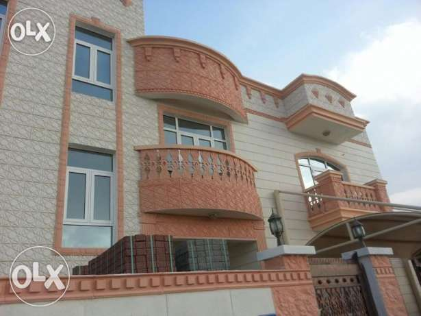 V.Brand New 5BHk+1Maid Villa For Rent In Bousher Muna With Pool بوشر -  1