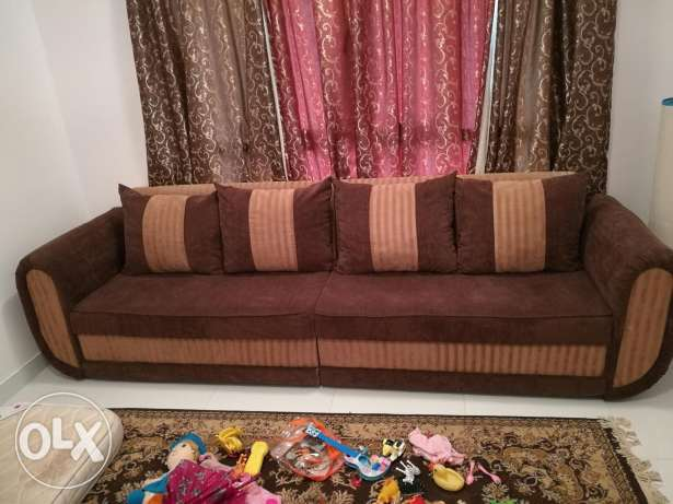 4 Seater Sofa with square center table 90 RO السيب -  3