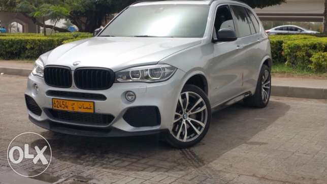 BMW X5 2015 Xdrive 50 W/performance kit & Carbon Fibre