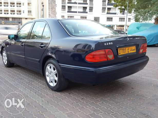 E280 for sale with one year mulkiya and insurance مسقط -  7