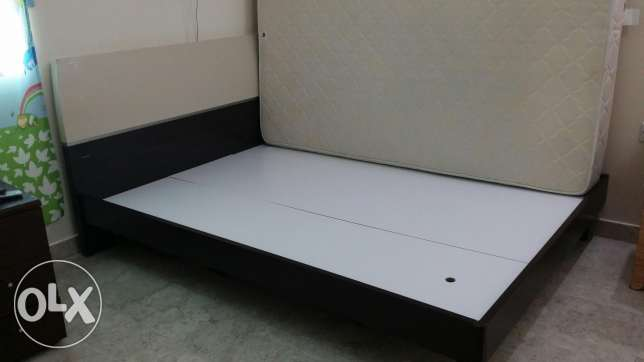 King size cot +Mattress السيب -  3