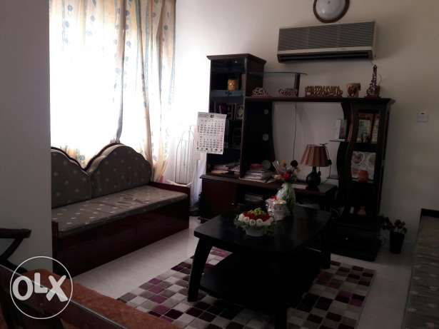 furnished bedroom for lady in Alkhwair near Radisson blue hotel بوشر -  7