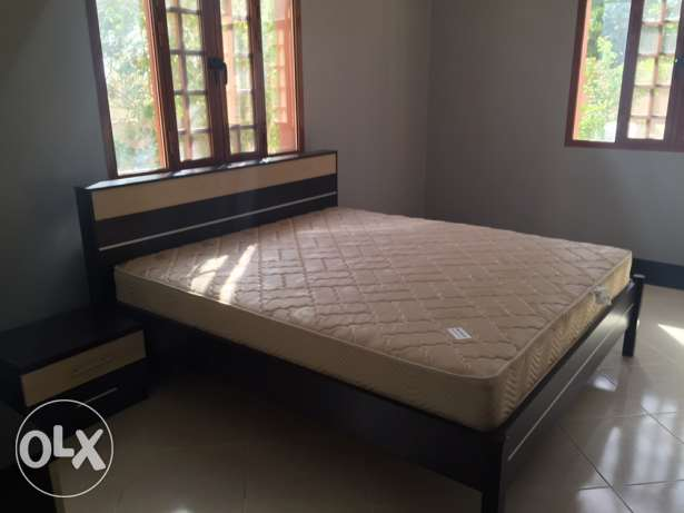 Semi-New Bedroom Set For Sale غرفة نوم للبيع