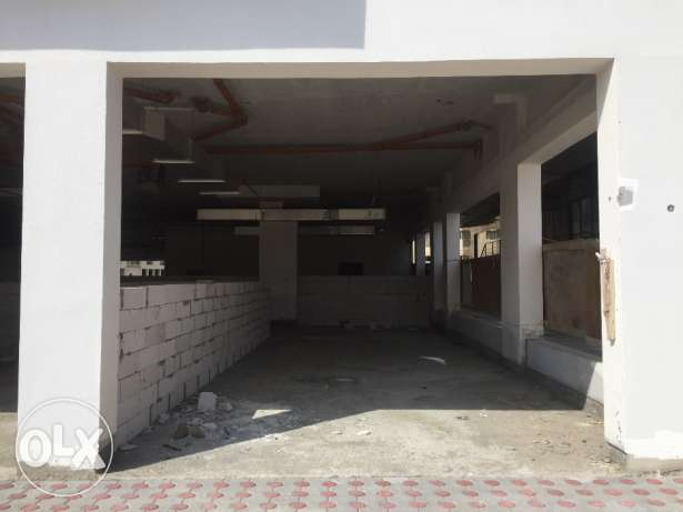 Shops in amazing location in Al Qurm next to Shakespeare and cafes. بوشر -  2
