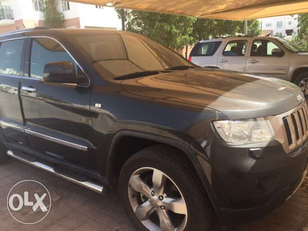 Jeep Grand Cherokee 2011 full option Over land edition V8