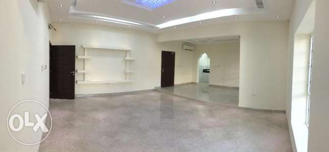 Spacious villa in Hail North الحيل الجنوبية -  5