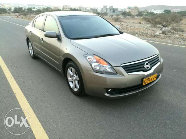 Nissan Altima in very good condition مسقط -  1