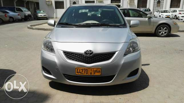 Toyota yaris in absolutely in good condition single handed used. مسقط -  1