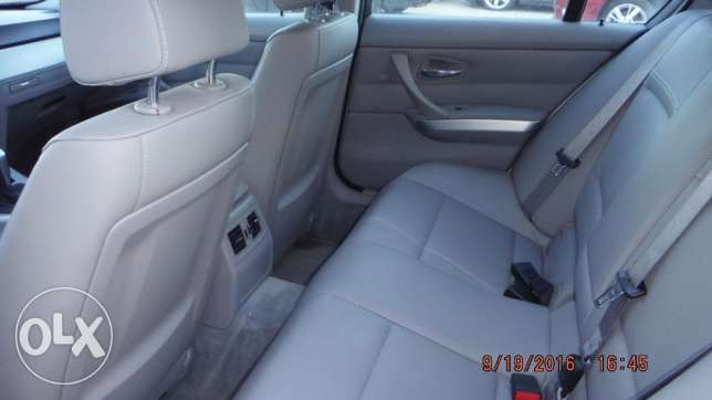 Imported 2011 BMW 328i with full option! (PRICE NEGOTIABLE!) مسقط -  3