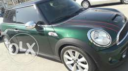 Mini Cooper s . Model 2011 . Full option