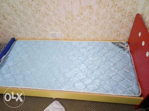 Kids single bed with two side tables مسقط -  2